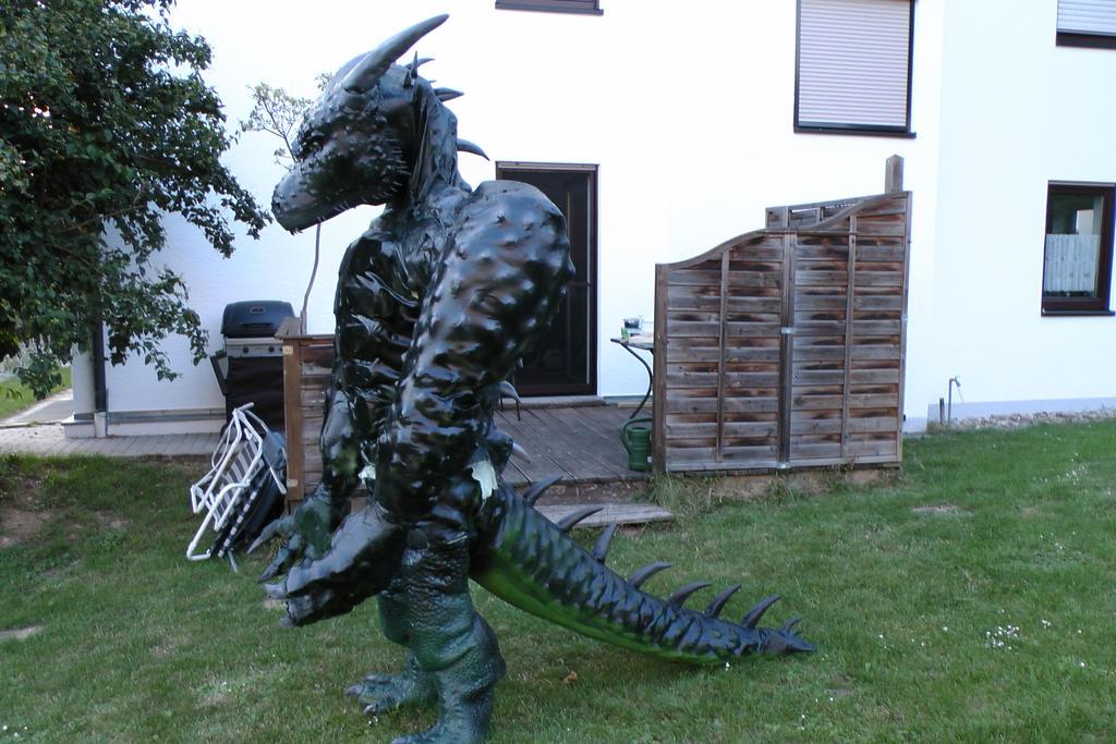 XXL Latex Larp Daedroth Costume + Video Link by Arooki