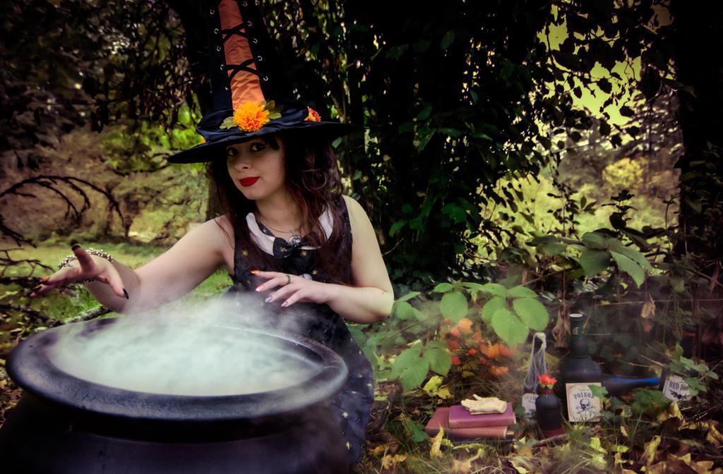 Witchy Woman by DrisanaRM
