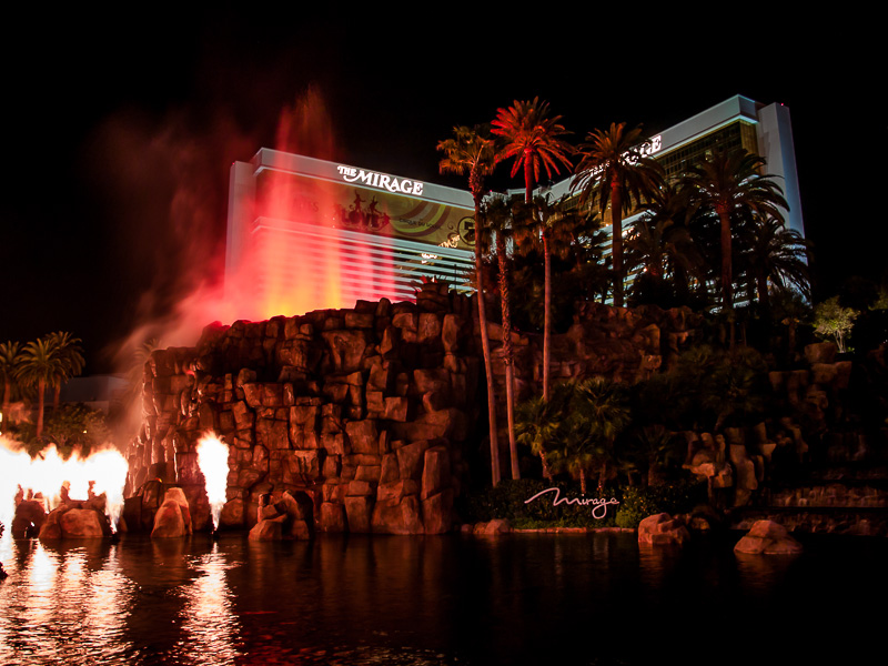 Vegas: Mirage Volcano by j-ouroboros
