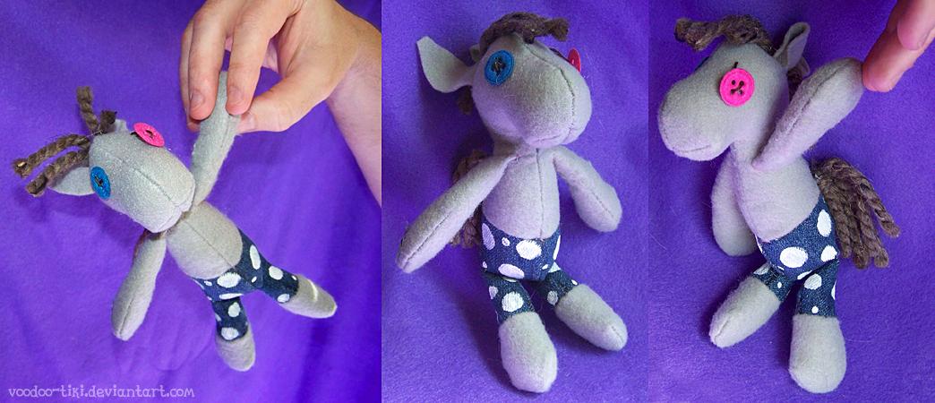 Tiny Smartypants by Voodoo-Tiki