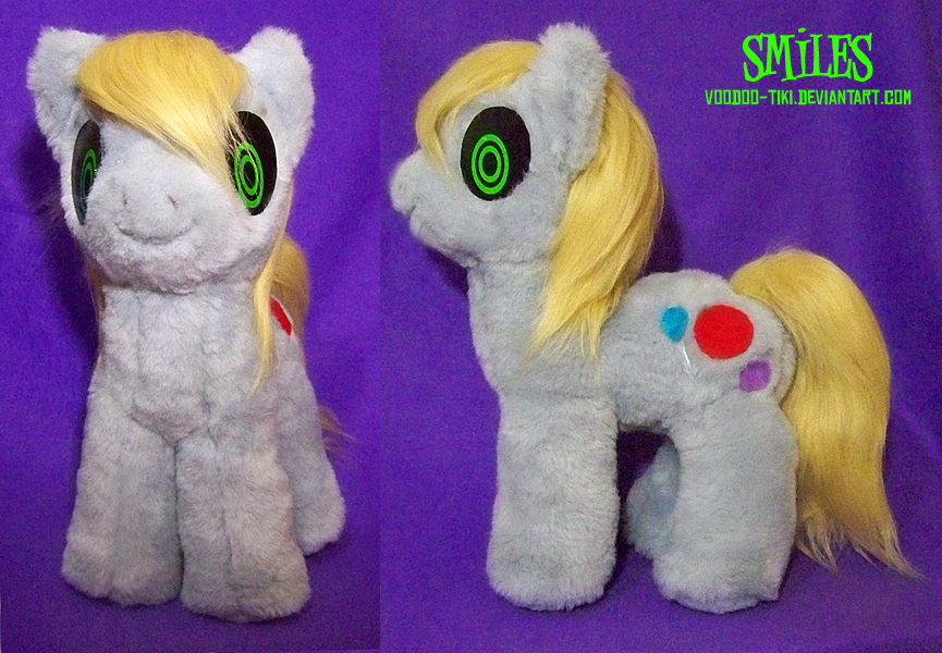 Smiles pony plushie by Voodoo-Tiki