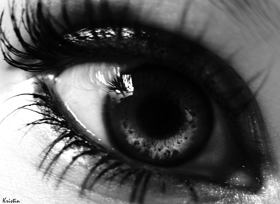 Black and white eye by kristincross