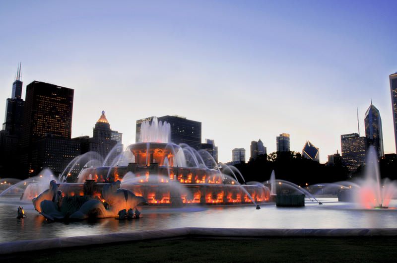 Buckingham Fountain Chicago by geolio