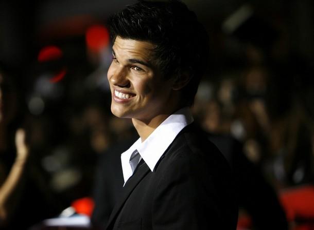 Smile, Taylor Lautner