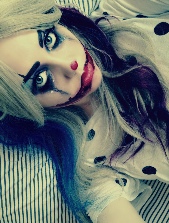 Snuggles the Clown by KikiMJ