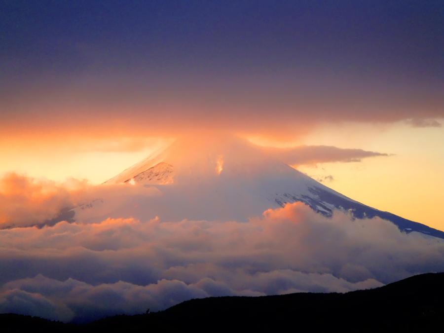Fuji Sam by robertoalamino