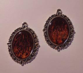 Flammen Amulette