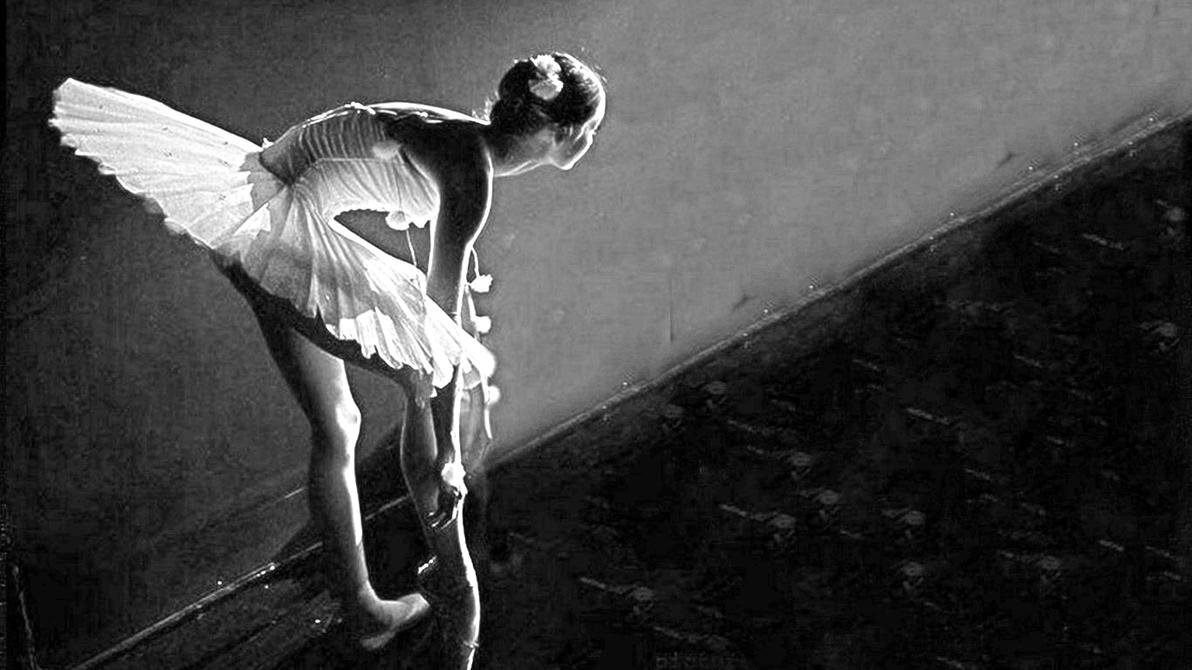 Crno-bela fotografija - Page 24 Ballerina_by_cigno1975-d5z2wnh