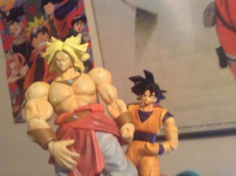 Goku y Broly en la Comicon