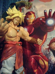 Broly con Ironman