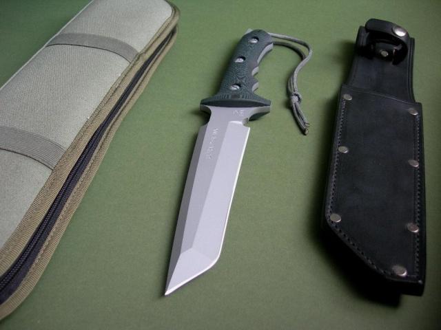 Combat Knife by Swordsdragon