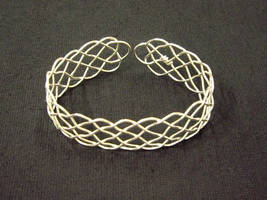 19 loop prolong knot bracelet