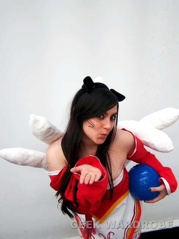 Ahri cosplay { League of Legends } by LadyEdith on DeviantArt Ahri League Of Legends Cosplay