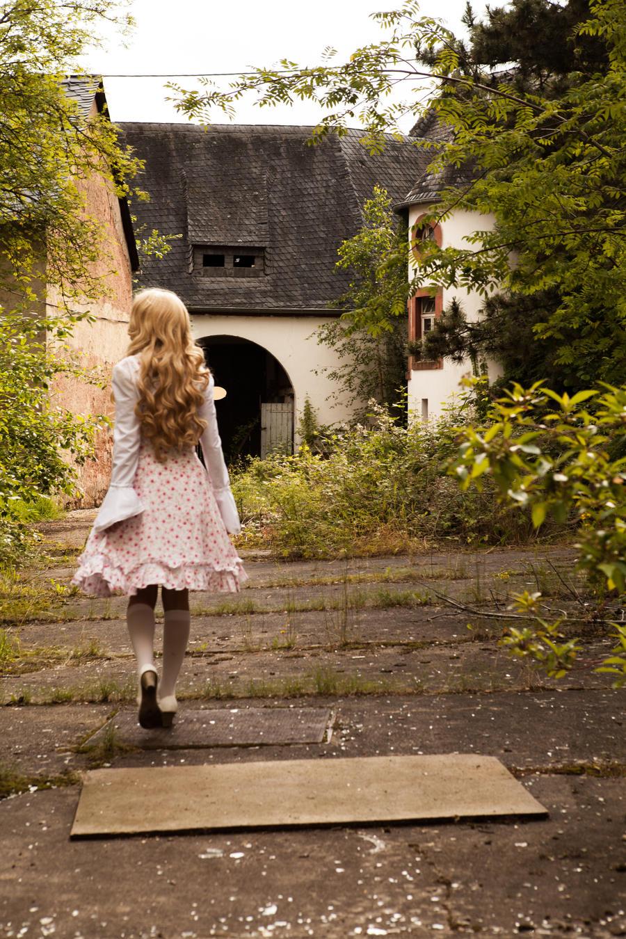 Walking into the past by JigokuNatsuNeko