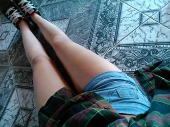 Legs by LuuluYoon