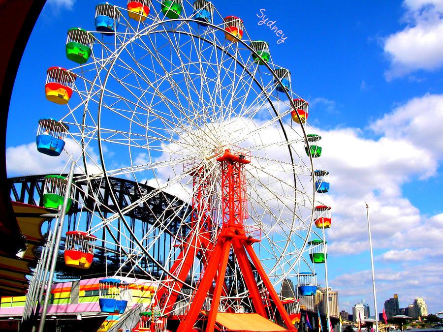 Luna park's ferris wheel by Ricebunii