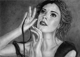 Rose McGowan by DeanSidwellArt