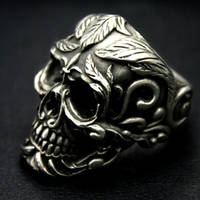 Deadleaf skull ring by fourspeedindonesia