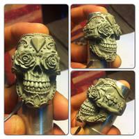 Los Muertos skull ring sculpture by fourspeedindonesia