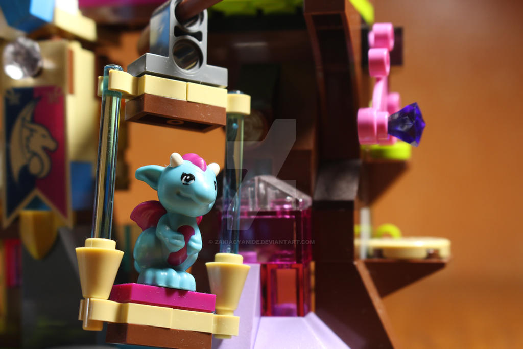 Elves (Lego) macro by zakiacyanide