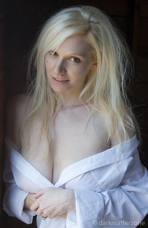Jennifer 2 by darkmatterzone