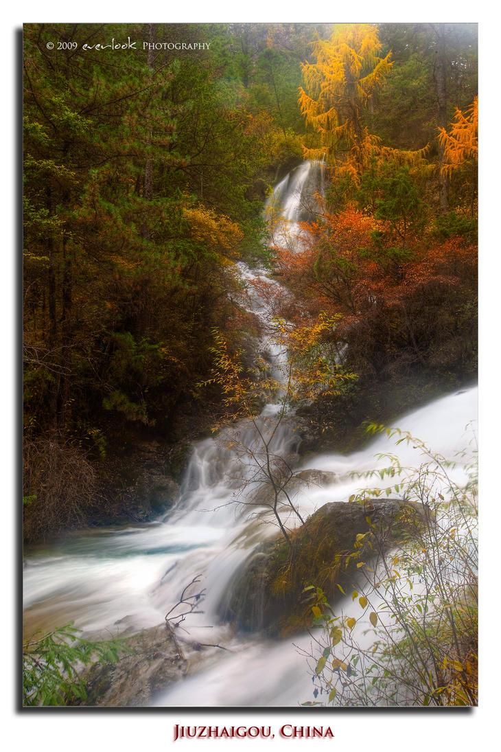 Falls in the mist by Dee-T