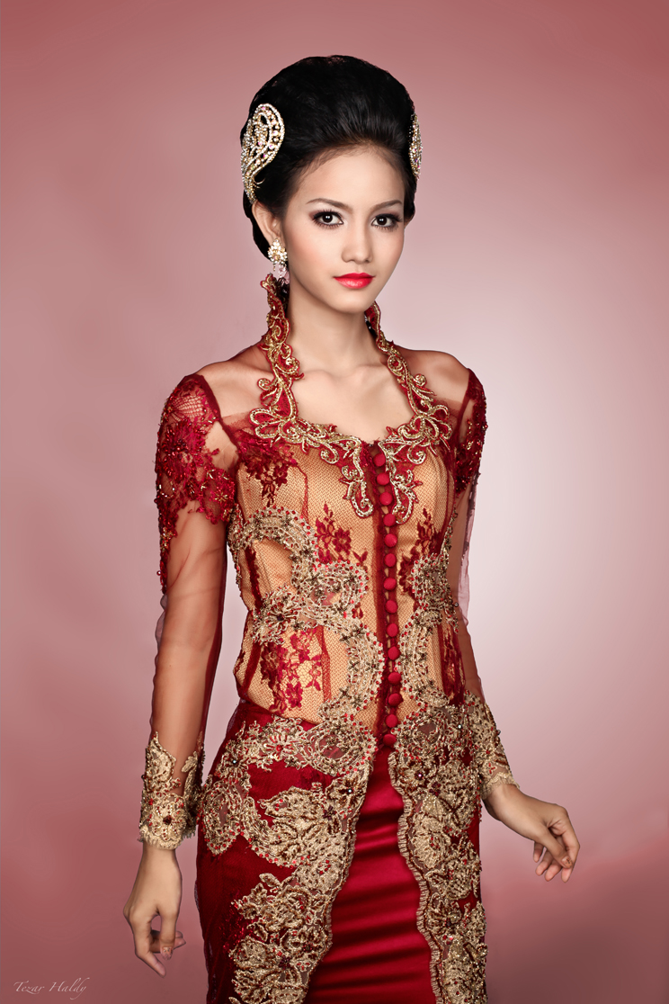 The kebaya is the national costume of Indonesia, although it is more ...