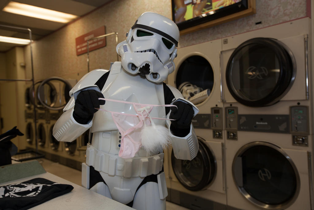 Stormtrooper doing laundry by pinguino