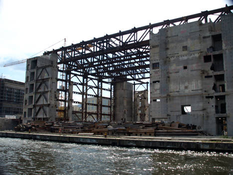 Deconstruction of the GDR