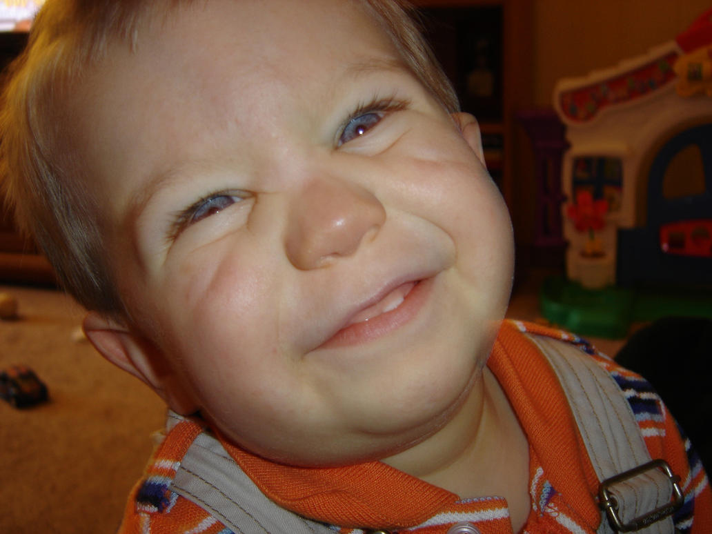 Cheesy Smile by shark3000 on DeviantArt: shark3000.deviantart.com/art/Cheesy-Smile-16682492