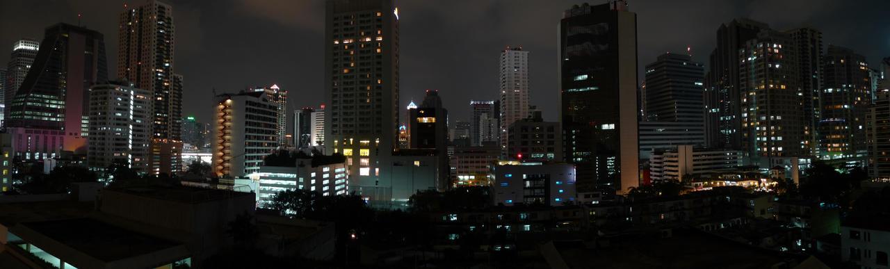 bangkok, sukhumvit cityscape by jonske