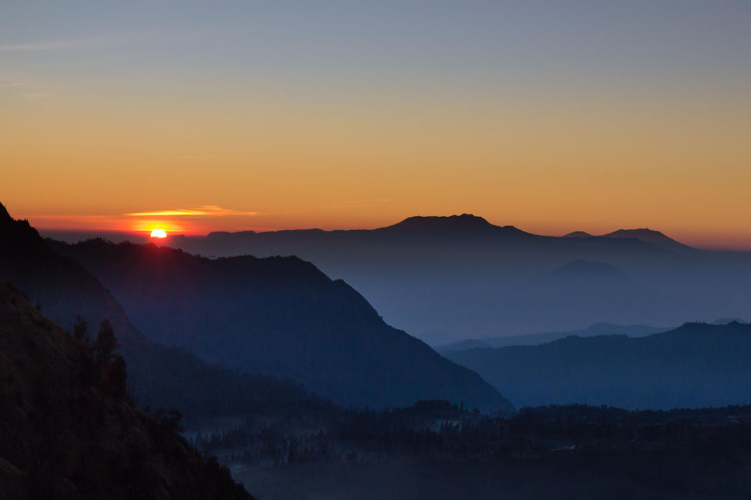 Java Mountains Sunrise by kopfwiesieb