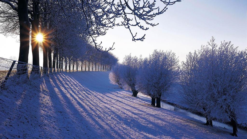 Hình Phong Cảnh Mùa Đông Awesome_winter_wallpaper_by_dorcarthewarrior-d96jpsl