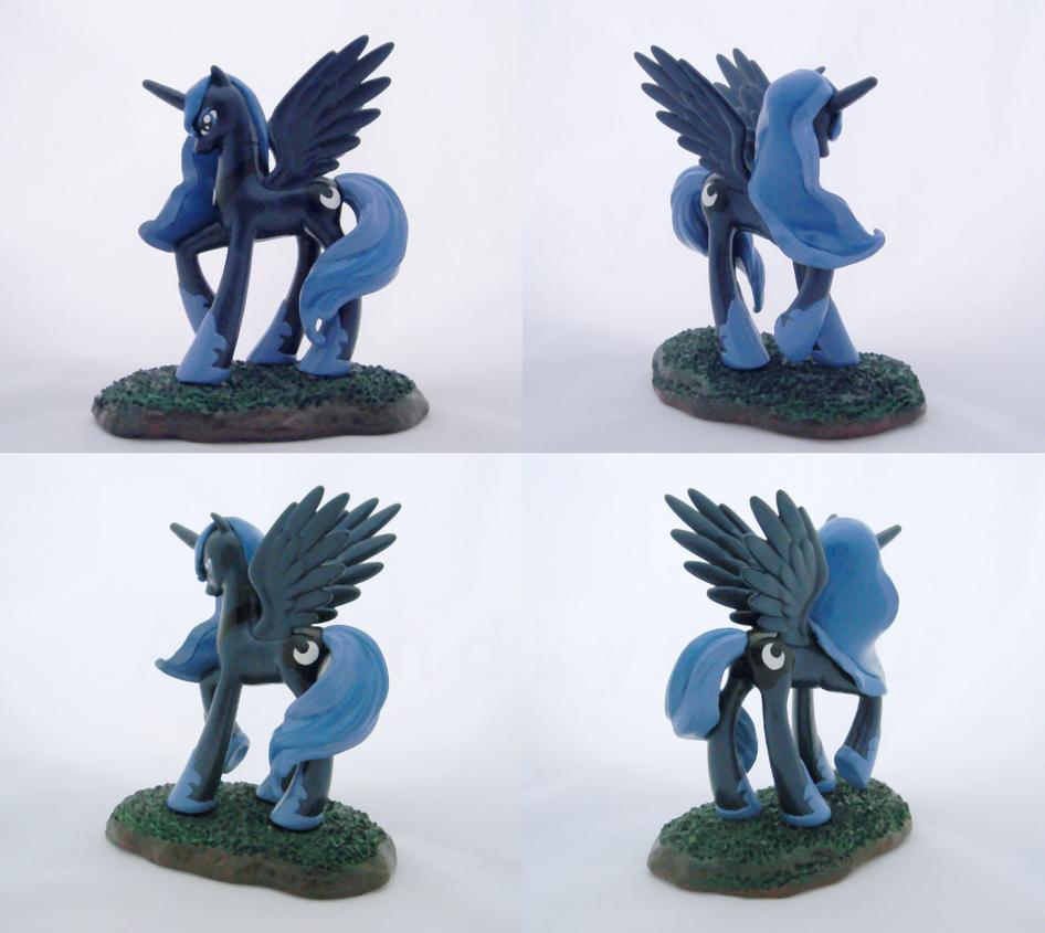 Season 2 Luna Custom by Amandkyo-Su