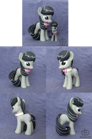 Octavia Custom (Large - 6in)