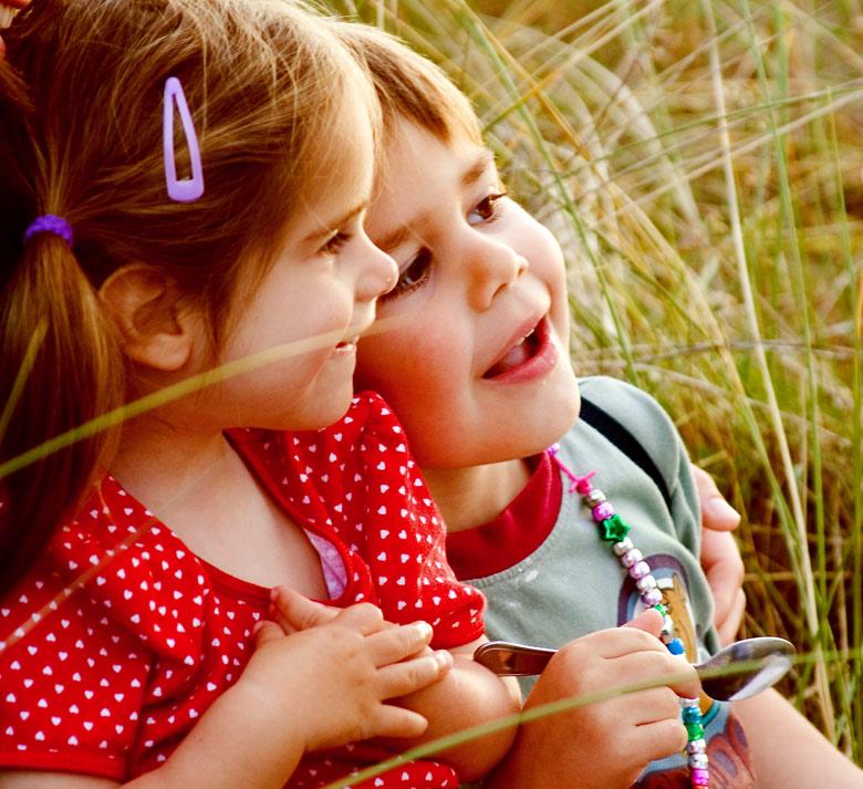 http://fc46.deviantart.com/fs32/f/2008/208/8/9/That_summer___by_spaghetti000.jpg