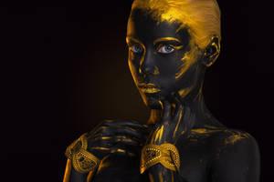 Black Gold gerl Body-art