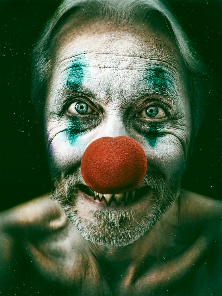 The whole world loves a clown by Harpyimages