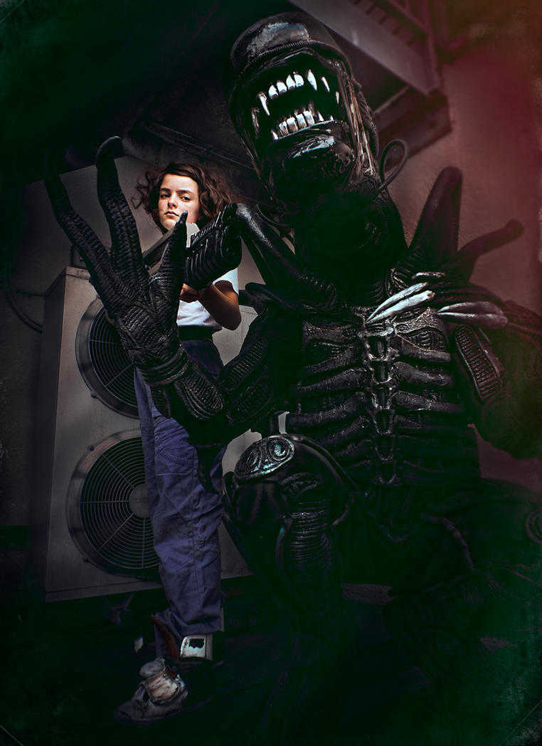 Aliens Cosplay by Harpyimages