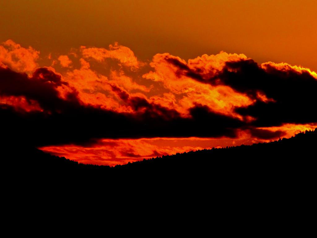Molten Sky by Kaatman