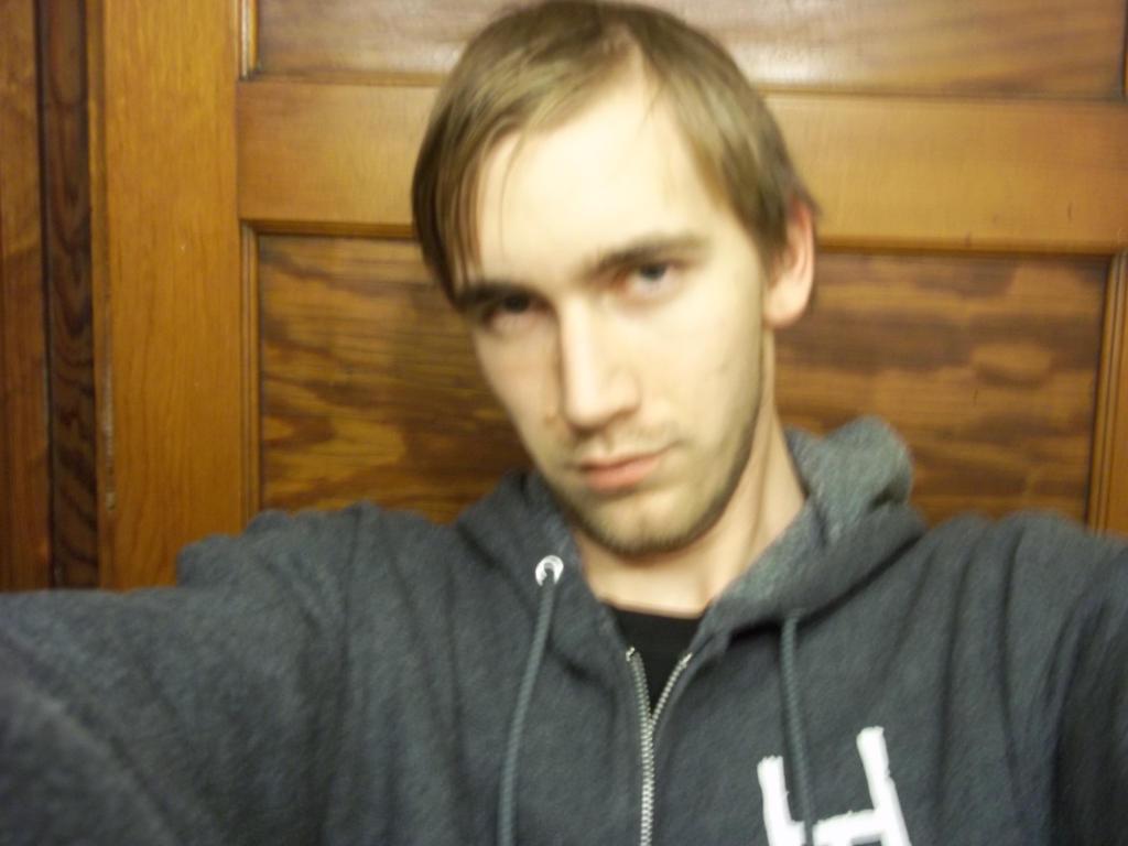 WhiteFoxKitsune88's Profile Picture