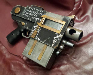 WH40K Chaos Bolt Pistol by Clayman8