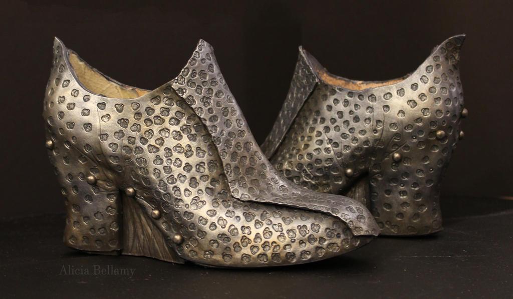 Shard- A Mortal Trespasser : Shoes by Vert-Vixen