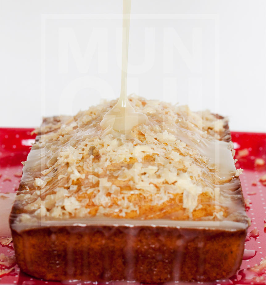 Condensed Milk and Shredded Cheese Pound Cake by munchinees