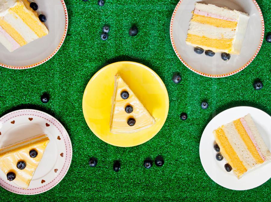 Lemon Raspberry Cream Cake by munchinees