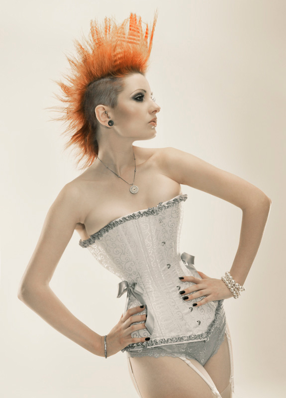 c1c0c1874872d5eea43388f7060a85cb Get Your Punk Out: Bright and Colourful Mohawk Photography