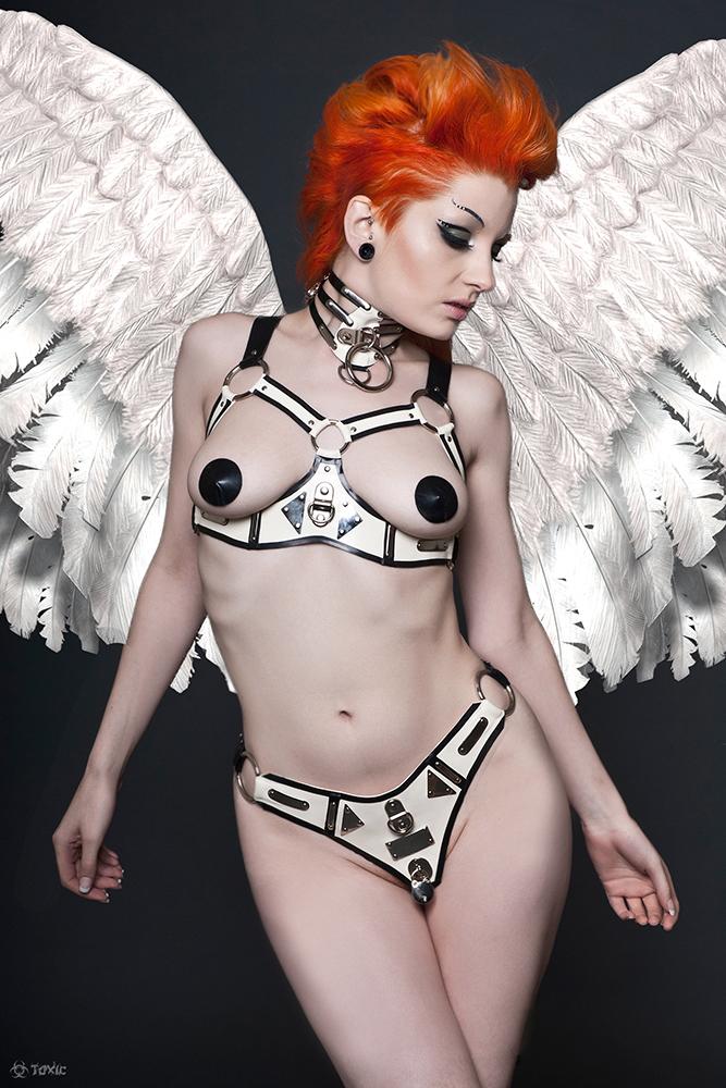Bondage Angel by ulorinvex