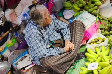 Maeklong Railway Market People