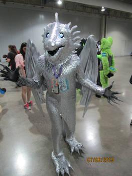 AC 2019 Fursuit Parade: Silver Dragon Falindrith