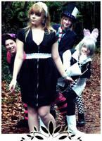 Alice In Wonderland - P e e k by Emi-zone